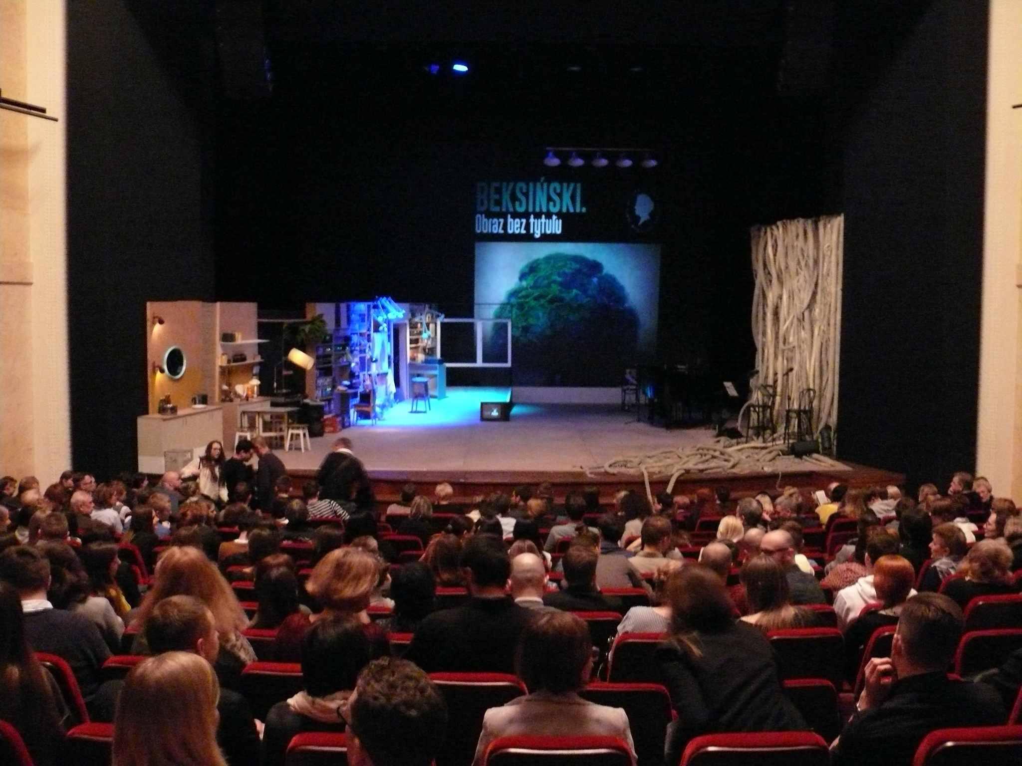 """""""Beksiński. Obraz bez tytułu"""" w Teatrze Polskim w Warszawie - galeria zdjęć"""
