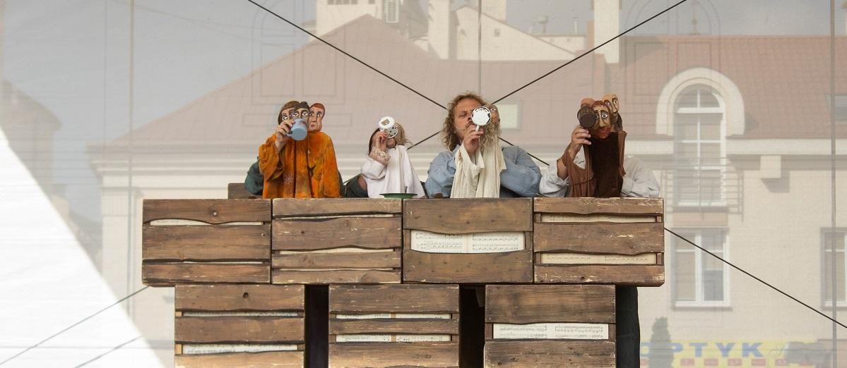 """Anna Rzepa-Wertmann recenzuje """"Arkę Noego"""" oraz """"Audiencję""""!"""